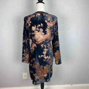 Anthropologie Dresses - Anthro Eri + Ali Velvet Burnout Wrap Dress